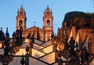 选择投资移民葡萄牙时,可能面临的风险有哪些?