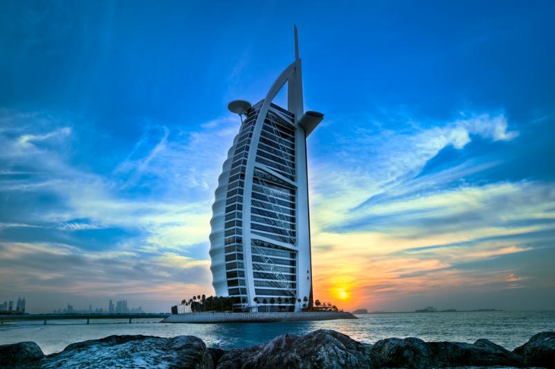 在迪拜工作的外籍国人可以申请家属在迪拜生活